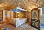 Location vacances Figline Valdarno - Pavelli Villa Sleeps 10 Pool Wifi-4