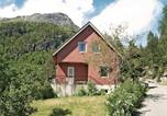 Location vacances Geiranger - Holiday home Hellesylt 29-1