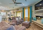 Location vacances Northglenn - Modern Home with Patio - 7mi to Downtown Denver!-3