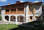 Location vacances  Province de Pordenone - Albergo diffuso Valcellina e Val Vajont in Claut-1