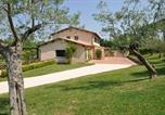 Location vacances  Province de Rieti - Magliano Sabina Villa Sleeps 16 Pool Wifi-1