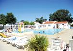 Camping avec Piscine Les Epesses - Camping Paree Preneau-3