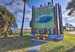 Location vacances Freeport - Surfside Beach Escape with 2-Tier Deck and Patio!-2