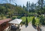 Location vacances Auditore - Four-Bedroom Holiday Home in Casinina-2
