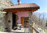Location vacances  Province de Côme - Locazione Turistica Residenza La Sassicaia - Dgo245-3