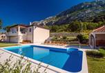 Location vacances Omiš - Villa Beybe with Jacuzzi, large private pool 50m2, Bbq,free Wifi, 3 bedrooms-1