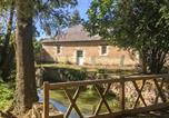 Location vacances Linières-Bouton - Five-Bedroom Holiday Home in Breil-4