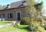 Location vacances  Cantal - Chez Caro Vacation Home-3