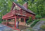 Location vacances Columbus - Saluda Cabin with Deck Situated on Lake Hosea!-3