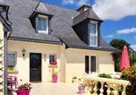 Location vacances Saint-Donan - Peaceful house with flower garden-1