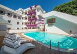 Location vacances Minori - Minori Villa Sleeps 4 Pool Air Con Wifi-1