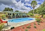 Location vacances Pinellas Park - St. Petersburg Home w/ Tropical Yard & Pool!-1