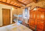 Location vacances Amandola - Zona Artigianale Callarella Villa Sleeps 6 Pool-3