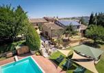 Location vacances Montalcino - San Quirico d'Orcia Villa Sleeps 18 Pool Air Con-4