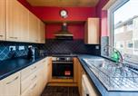 Location vacances Waterstock - Top-Floor Bright & Sunny 3-Bedroom Appartment-3