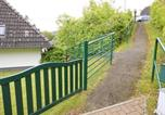 Location vacances Alsfeld - Ferienhaus am See im Bergland 100-4