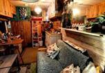 Location vacances Sedlescombe - Unique Rustic Wood Horsebox Home in East Sussex Uk-3