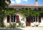 Location vacances Ruffec - La Chapelle Gites-4