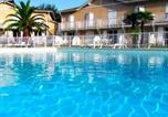 Location vacances  Pyrénées-Atlantiques - Duplex T3 Anglet - Piscine - Terrasse - Parking --1