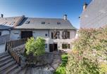 Location vacances Auvergne - Vie de Chateau 2-2