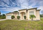 Location vacances Arcadia - Centrally Located North Port Home with Private Lanai-1