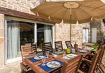 Location vacances Châteauneuf-la-Forêt - Fantastic Holiday Home in Veix Limousin with Private Pool-3
