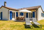 Location vacances  Deux-Sèvres - Cozy Villa with Swimming Pool in Les Forges-1