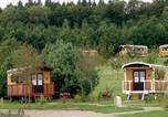 Camping avec Piscine Limousin - Camping Les Roulottes de Monedières-1