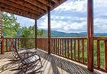 Location vacances Gatlinburg - Destiny's Heavenly View, 5 Bedrooms, Sleeps 14, Pet Friendly, Hot Tub, Pool Table-1