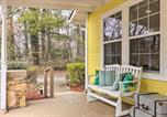 Location vacances Flat Rock - Charming Hendersonville Home 1 Mi to Main St!-2