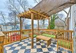 Location vacances Emporia - Chic Richmond Apartment with Deck and Patio!-1