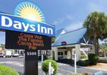 Hôtel Cocoa Beach - Days Inn by Wyndham Cocoa Beach Port Canaveral-1
