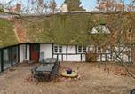 Location vacances Odder - Six-Bedroom Holiday home in Hundslund-2