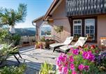Location vacances Sankt Märgen - Landhaus-Apartment Feldbergblick-3