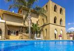 Location vacances Racale - Villa Full'House-1