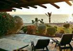Location vacances  Chypre - Paphos maison sur la mer-4
