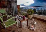 Location vacances  Province de Vibo-Valentia - Sunset Penthouse - Borgonovo 9p-3