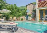 Location vacances Borgo a Mozzano - Three-Bedroom Holiday Home in Pascoso (Lu)-2