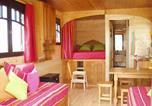 Camping avec Hébergements insolites Auvergne - Domaine de la Chaux de Revel-3