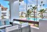 Location vacances  République dominicaine - Beach Apartment 10mbps internet & Smart Tv's-1