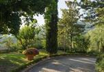 Location vacances  Province de l'Aquila - Vintage Villa in Tagliacozzo with Swimming Pool-1