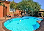 Location vacances Caderousse - Nice home in Saint-Génies-de-Comola with Outdoor swimming pool, Outdoor swimming pool and 1 Bedrooms-1