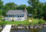 Location vacances Green Lake - Cozy Fremont Cottage on Lake Poygan and Fishing Dock-2