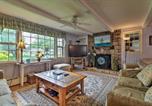 Location vacances Mystic - Saybrook Manor House, Walk to Cove Beach!-3