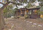 Location vacances Kyle - Secluded Cabin Oasis with Hill Country Views!-2