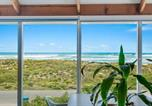 Location vacances Goolwa - Middleton's 'Glass House' by the Ocean + Wifi-1