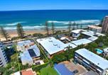 Location vacances Yaroomba - Coolum Baywatch Luxury Style Penthouse, Linen Included, Wifi, 500 Bond-2
