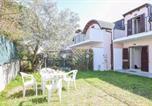Location vacances  Province de Catanzaro - Nice home in Isca Marina w/ Outdoor swimming pool, Wifi and 2 Bedrooms-2