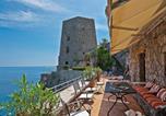 Location vacances  Province de Salerne - Positano Villa Sleeps 13 Air Con Wifi-1