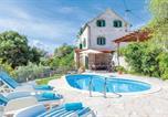 Location vacances Selca - Sumartin Villa Sleeps 6 Air Con Wifi-1